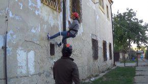Ukážka zlaňovania na lezecko turistickom krúžku
